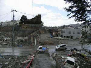 ①気仙沼 魚市場前地区(2011年4月撮影)